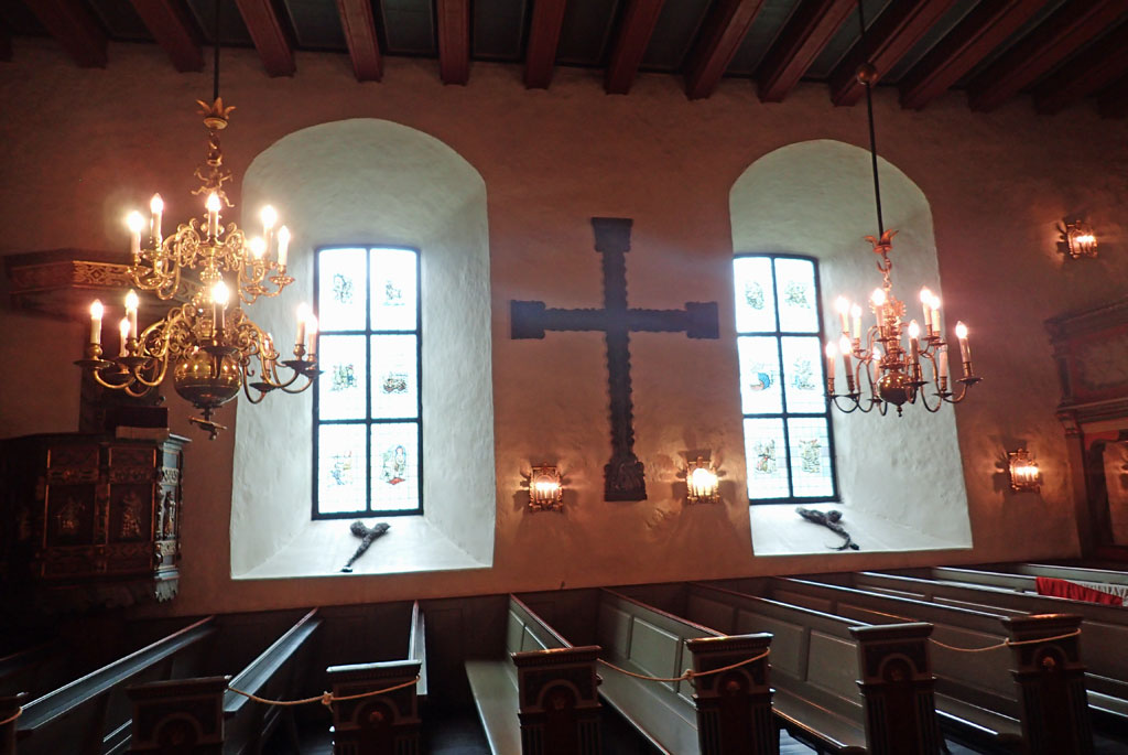 Inne fra Borre kirke.
